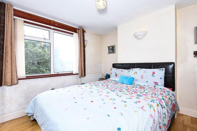 Bedroom of 101A Basingstoke Road, Reading RG2