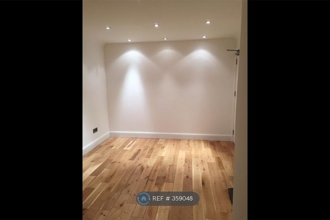 Thumbnail Room to rent in Westbourne Avenue, London