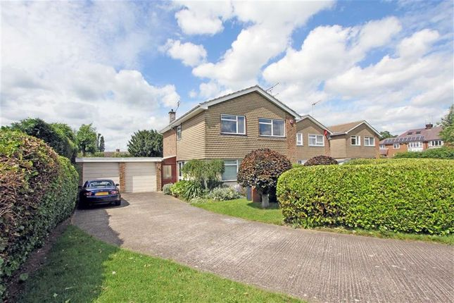 Thumbnail Detached house for sale in Brookside, Hatfield