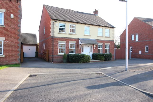 4 bedroom detached house for sale in Deadmans Lane, Greenham, Thatcham