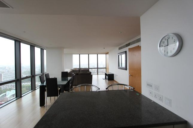 Thumbnail Flat to rent in West India Quay, Canary Wharf, London, England