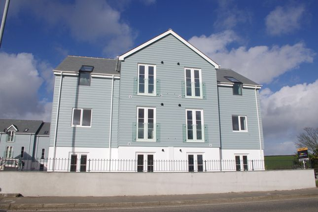 Thumbnail Flat to rent in Falmouth Road, Helston