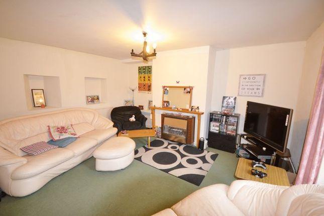 Thumbnail Flat to rent in Waterloo Terrace, Carmarthen