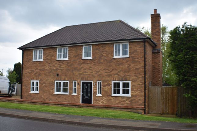 3 bed detached house to rent in Glinton Road, Helpston PE4