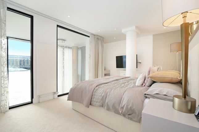 Photo 5 of Tower View Apartments, St Katharines Way, London E1W