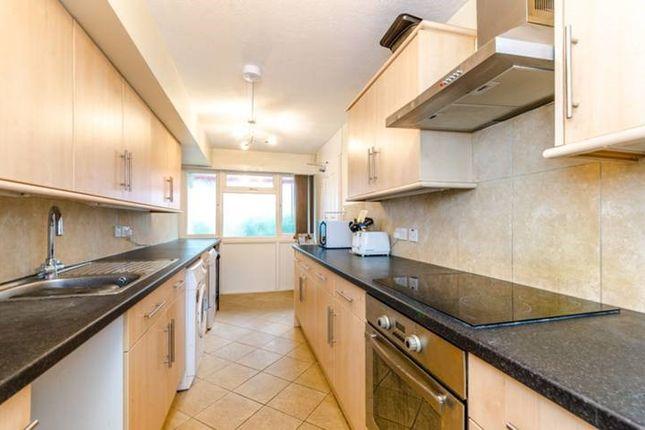 Thumbnail Flat to rent in Dunton Road, London