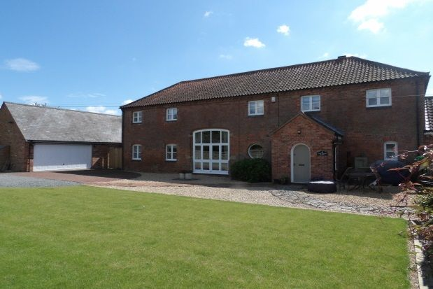 Thumbnail Barn conversion to rent in Cropwell Road, Radcliffe-On-Trent, Nottingham