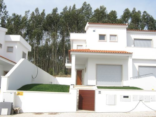 4 bed semi-detached house for sale in Famalicao, Leiria, Leiria, Central Portugal
