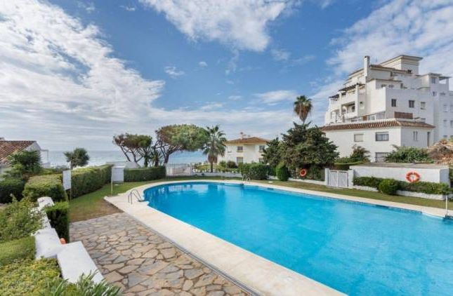 2 bed apartment for sale in Baha Azul, Estepona, Andalucia, Spain