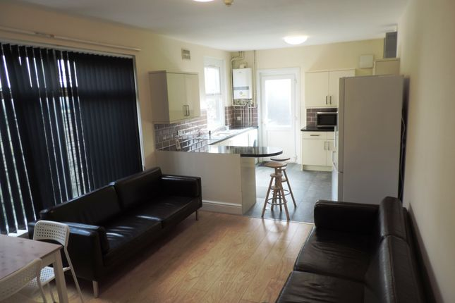 Thumbnail Terraced house to rent in Mackintosh Place, Roath, South Glamorgan