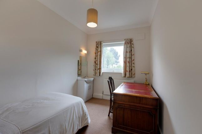 Bedroom 4 of Farndale, Sitwell Grove, Rotherham S60