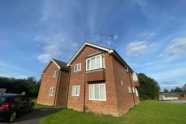 1 bed flat to rent in Blackmore Road, Shaftesbury, Dorset SP7