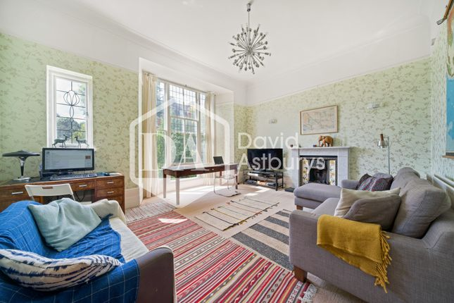 Thumbnail Flat to rent in Harcourt House, Haringey Park, London