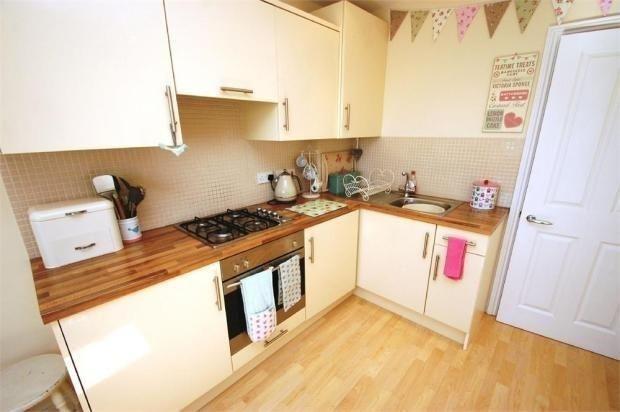 Tg Kitchen of Hardwicke Place, London Colney, St. Albans AL2