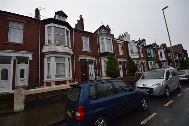 Thumbnail Maisonette to rent in Stanhope Road, South Shields