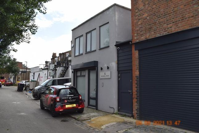 Thumbnail Office to let in Muswell Mews, Muswell Hill, London