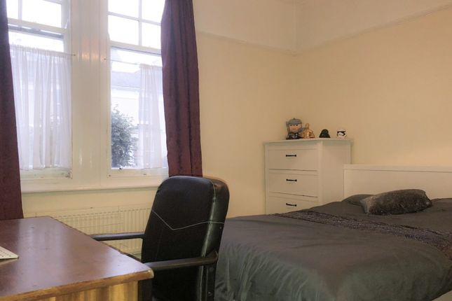Thumbnail Property to rent in College Avenue, Mutley, Plymouth