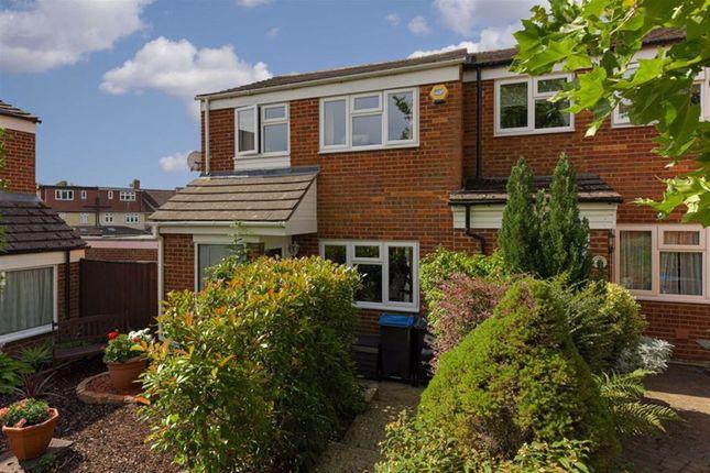 Angus Close, Chessington, Surrey KT9