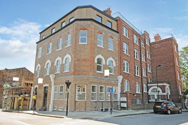 Thumbnail Flat for sale in Hemstal Road, London