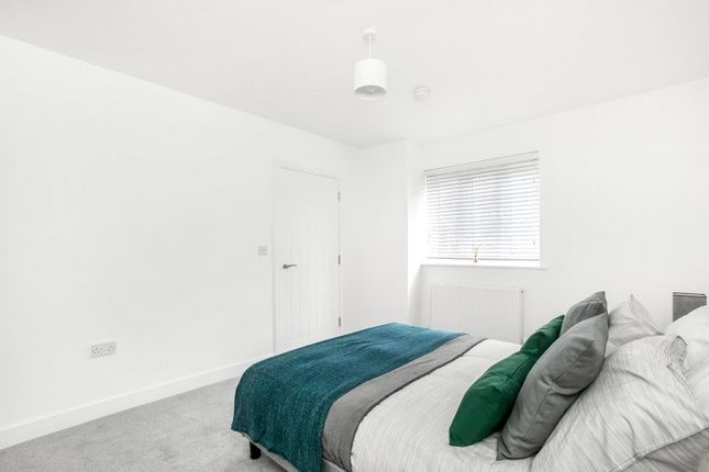 Show Flat of Chipstead Valley Road, Coulsdon CR5