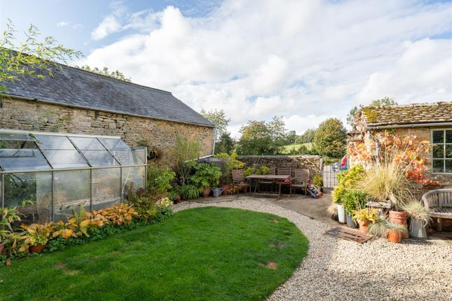 Garden of Post Office Row, Little Compton, Gloucestershire GL56