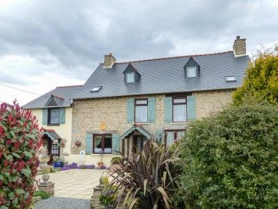 5 bed property for sale in Meneac, Morbihan, France
