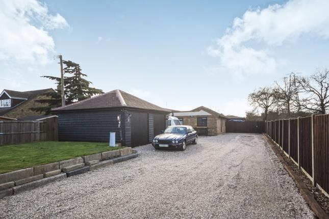 Thumbnail Bungalow for sale in Meadow Way, Wickford