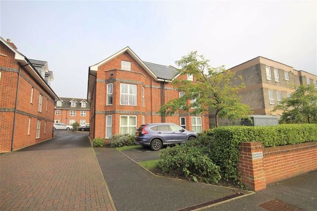 Thumbnail Flat for sale in Dorchester Road, Weymouth, Dorset