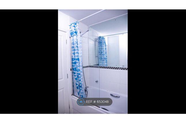 Upstairs Bathroom A