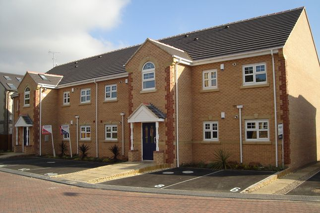 Thumbnail Flat to rent in Fulneck Court, Pudsey