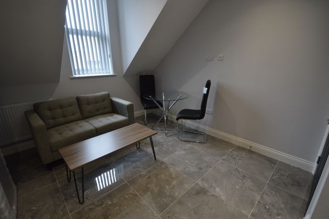 2 bed flat to rent in Woodlands Road, Middlesbrough TS1