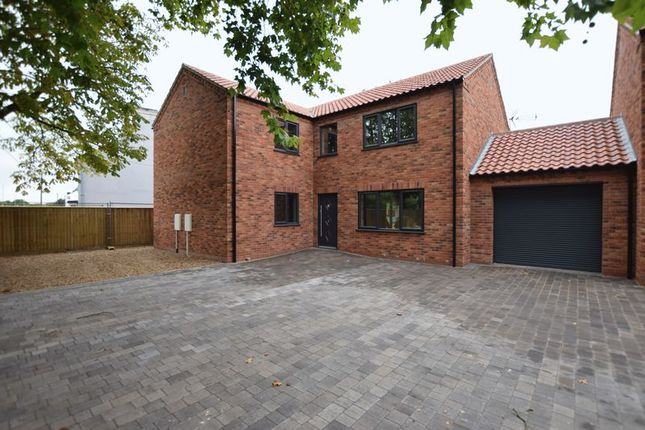 Thumbnail Detached house for sale in Lincoln Road, Saxilby, Lincoln