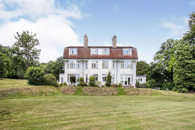 The Property of 15 Portley Wood Road, Whyteleafe CR3