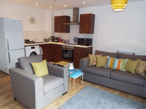 2 Bed Flat For Sale In St Crispins Court Stockwell Gate