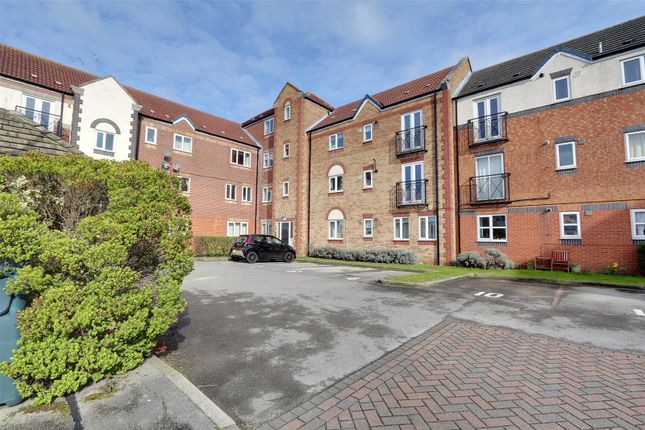 Thumbnail Flat for sale in Axholme Court, Hull, East Yorkshire