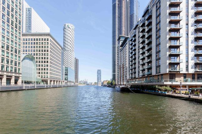 Thumbnail Property for sale in Hampton Tower, South Quay Plaza, 75 Marsh Wall, Canary Wharf