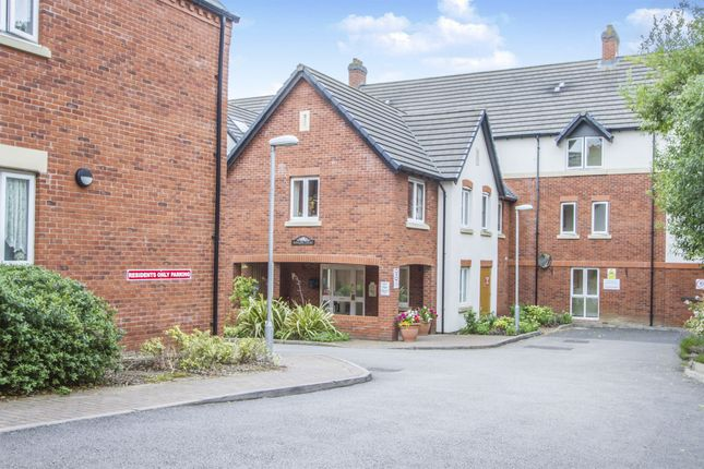 Thumbnail Flat for sale in Sandhurst Street, Oadby, Leicester