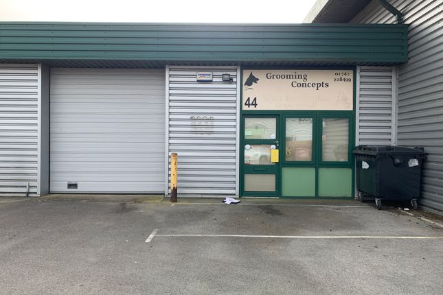 Industrial to let in Brickfields Business Park, Gillingham