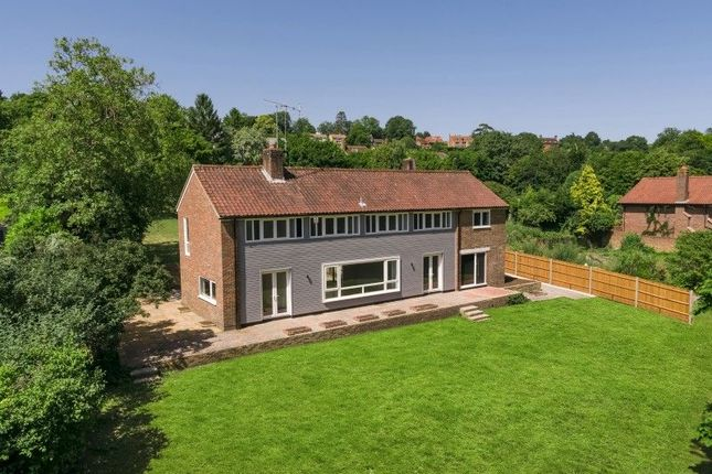 Thumbnail Detached house for sale in Chantry View Road, Guildford