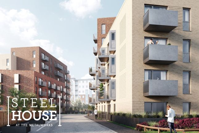 Thumbnail Flat for sale in Petersfield Avenue, Slough