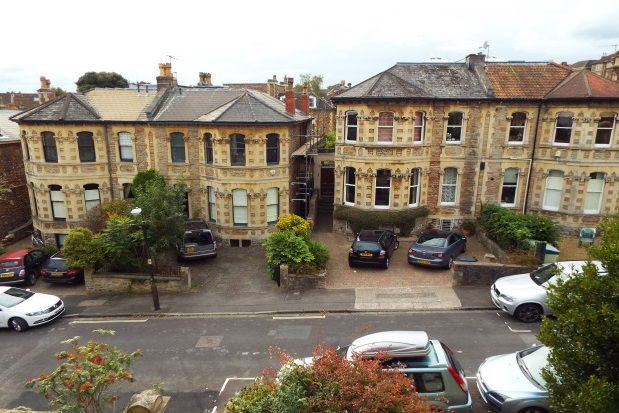Thumbnail Flat to rent in Hughenden Road, Clifton, Bristol