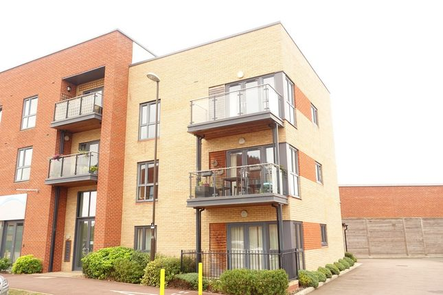 Thumbnail Flat to rent in Atlas Way, Oakgrove, Milton Keynes