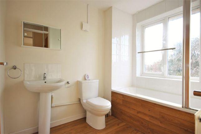 Family Bathroom of Blenheim Gardens, Grove, Wantage OX12