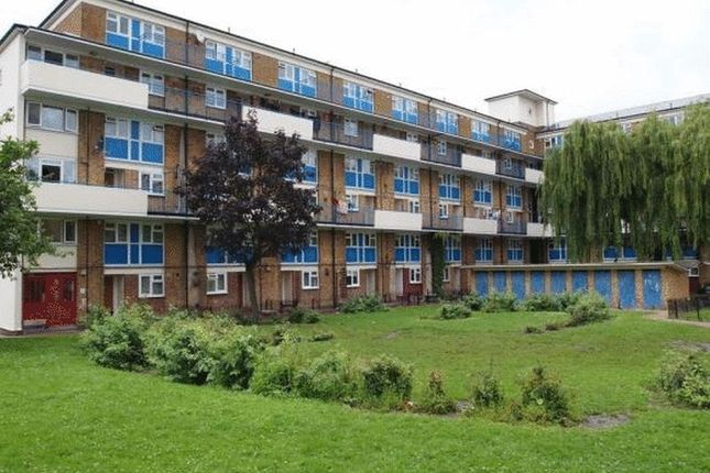 Thumbnail Flat to rent in Douglas Road, London