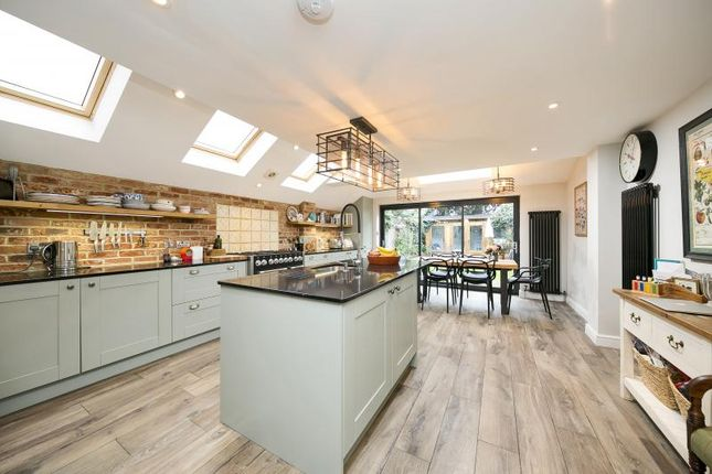 Thumbnail Terraced house for sale in Jocelyn Road, Richmond