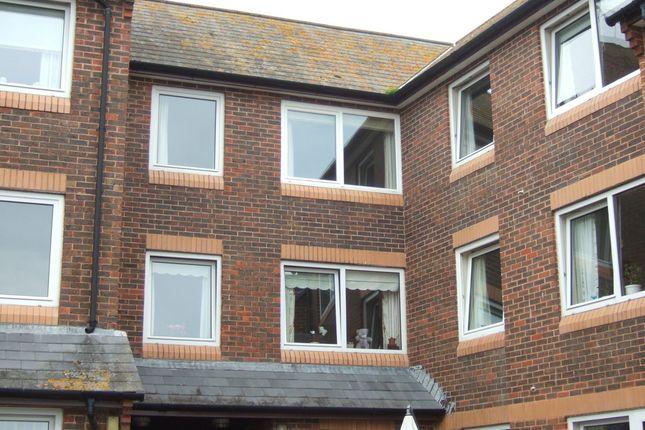 Thumbnail Flat to rent in East Street, Bridport, Dorset