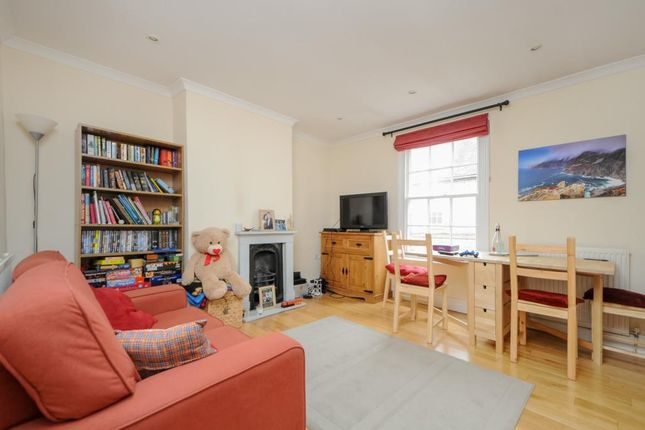 Thumbnail Flat for sale in High Street, Wallingford
