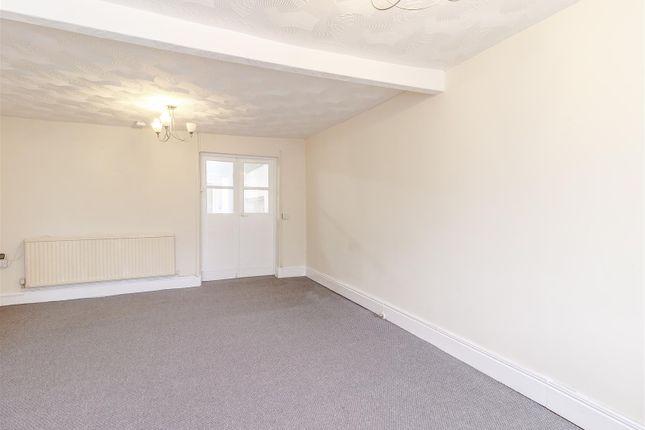 8403623-Interior07