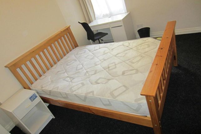 Thumbnail Property to rent in Wilmslow Road, Withington, Manchester