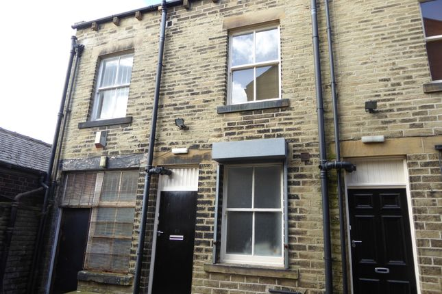 Thumbnail Flat to rent in Station Road, Ossett